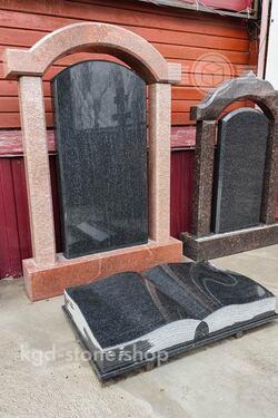 Комплекс из красного и черного гранита габбро на могилу