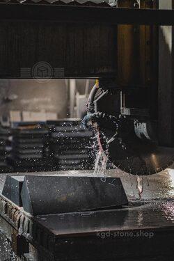 Распил гранитных изделий на производстве